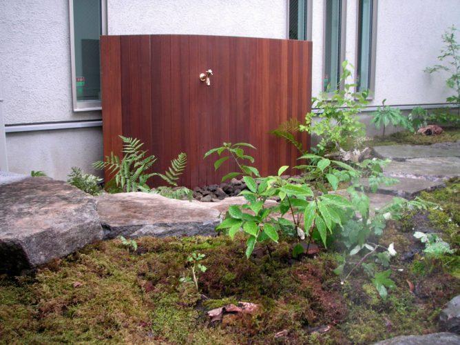 東京都 杉並区にある庭工事 完成 自作の立水栓工事