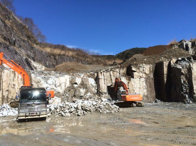 伊豆石 採石場
