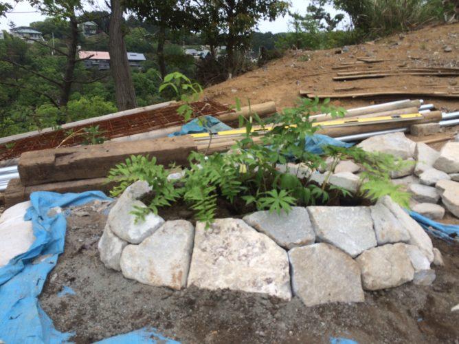 花壇用曲面に適した石