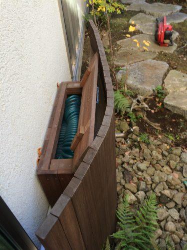 お庭 立水栓工事 収納