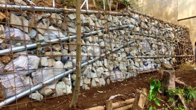土塀  下地工事